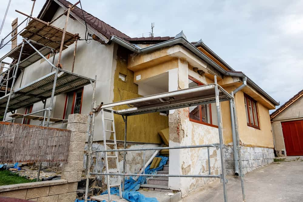 The Best Time to Hire Home Exterior Paint Contractors