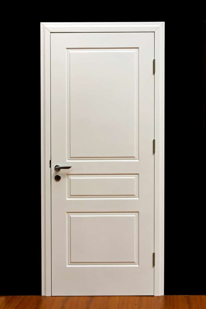 What Is the Proper Way to Paint Interior Doors?